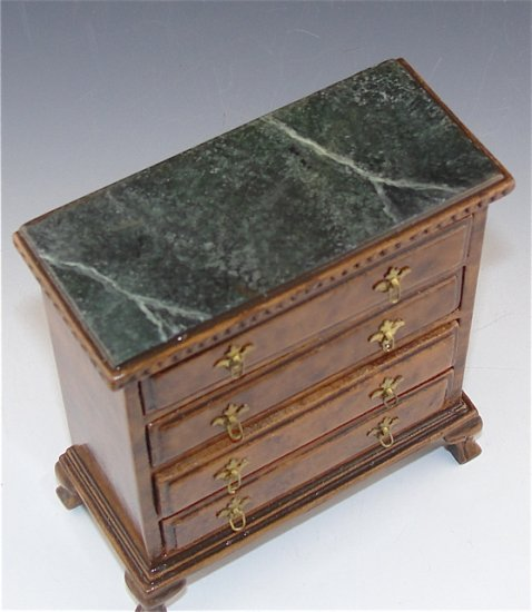 Kensington Hall Chest - Click Image to Close