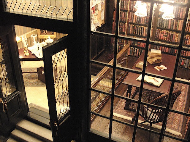 Windsor Antiques and Rare Book Shop - Click Image to Close
